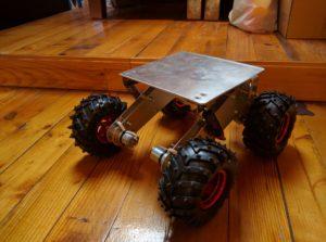 Roboti alus