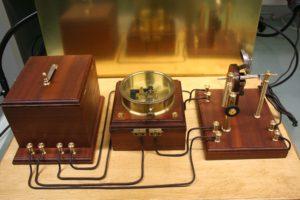 Marconi vastuvõtja: aku, relee, koheerer, kell, antenn